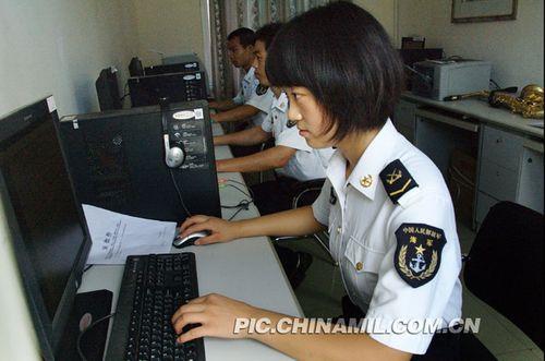 组图:中国西沙守军战备忙 随时打击侵略8 5